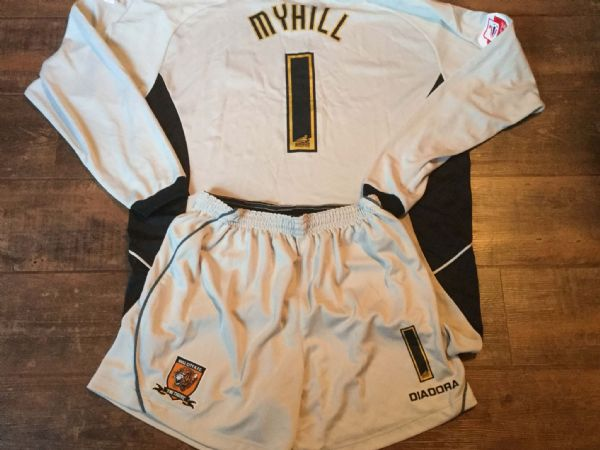2005 2006 Hull City Myhill Match Worn Gk Goalkeeper Football Shirt and Shorts